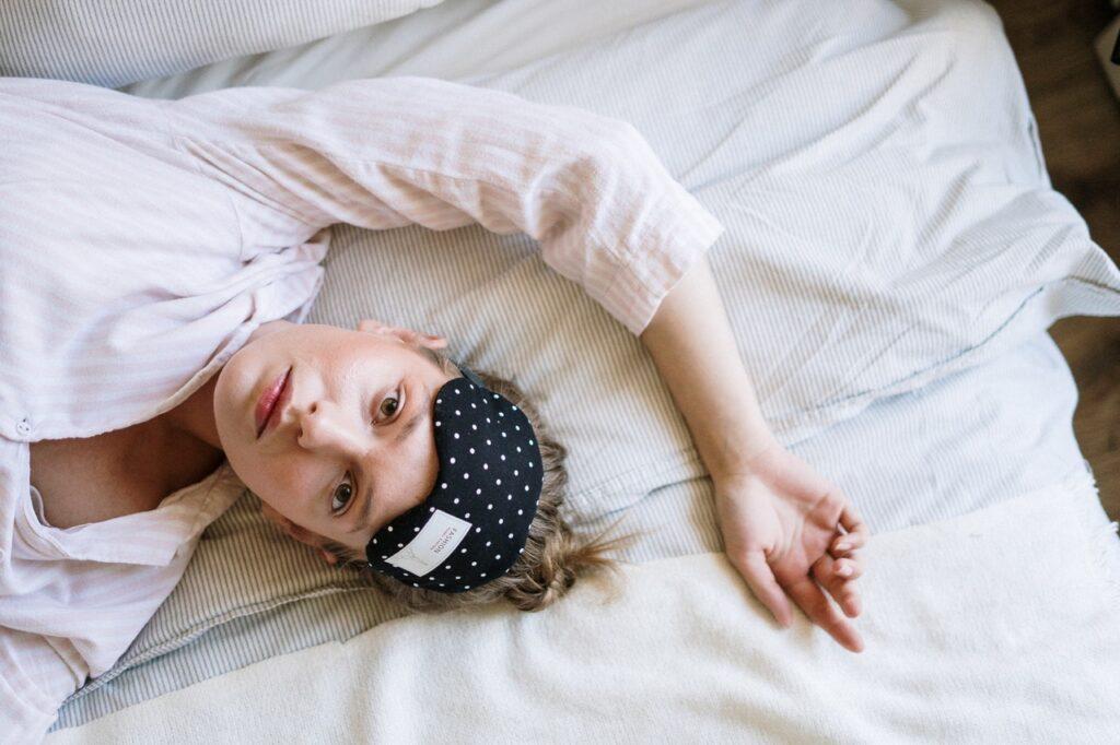 компульсивне переїдання безсоння